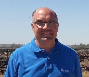 M.V. Elbio Bressan, Gerente de ganadería de Phibro.